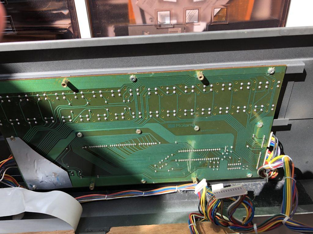 Photo de la switch board 1 du Roland JX-8P