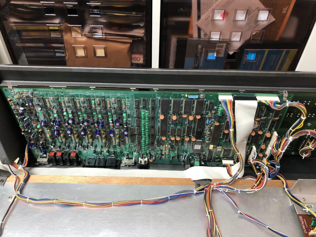 Photo de la carte principale du Roland JX-8P