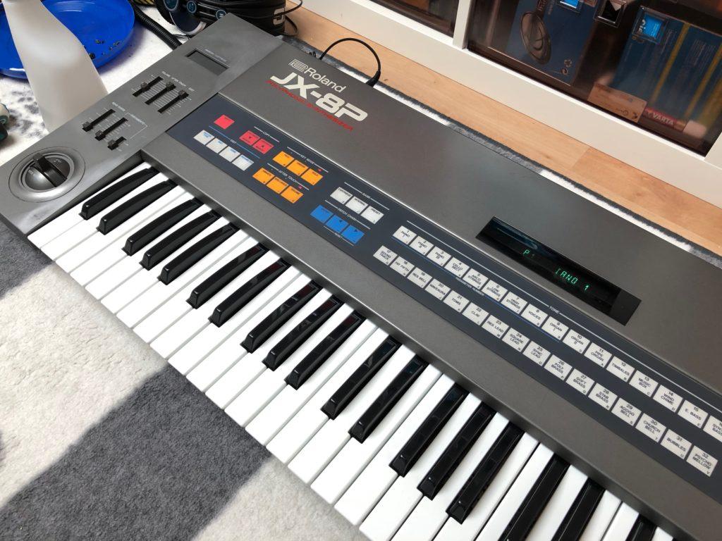 Photo du Roland JX-8P remonté