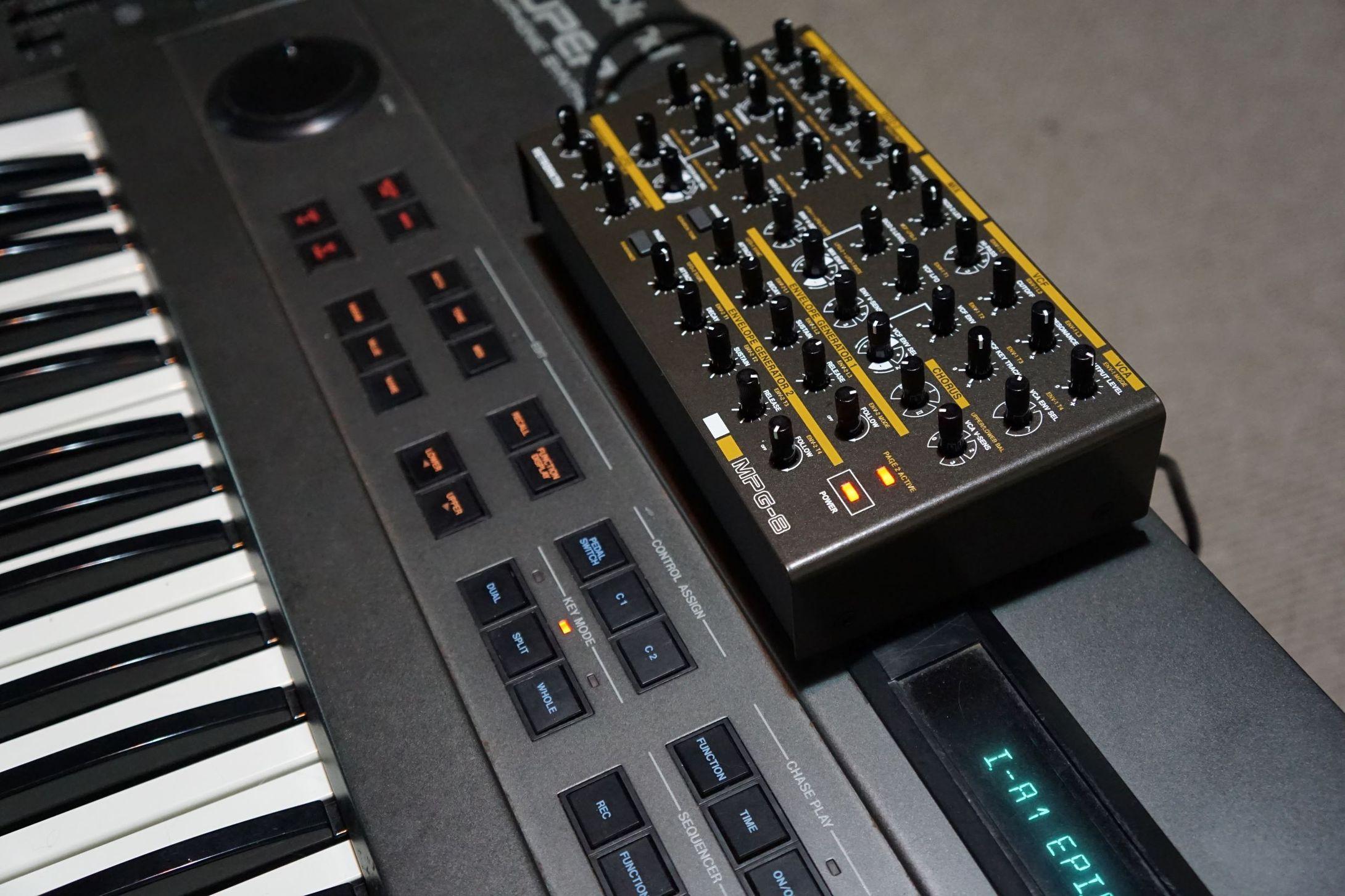 Photo du MPG-8 de Retroaktiv pour le Roland JX_8P