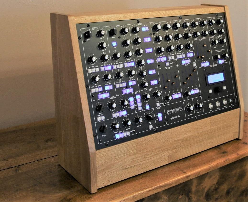 Synthétiseur SynthR3 autre vue - quel look !