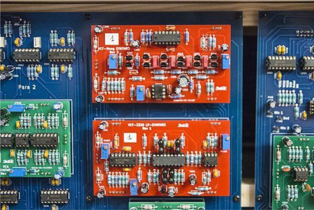 2 filtres installés dans le synthétiseur SynthR3