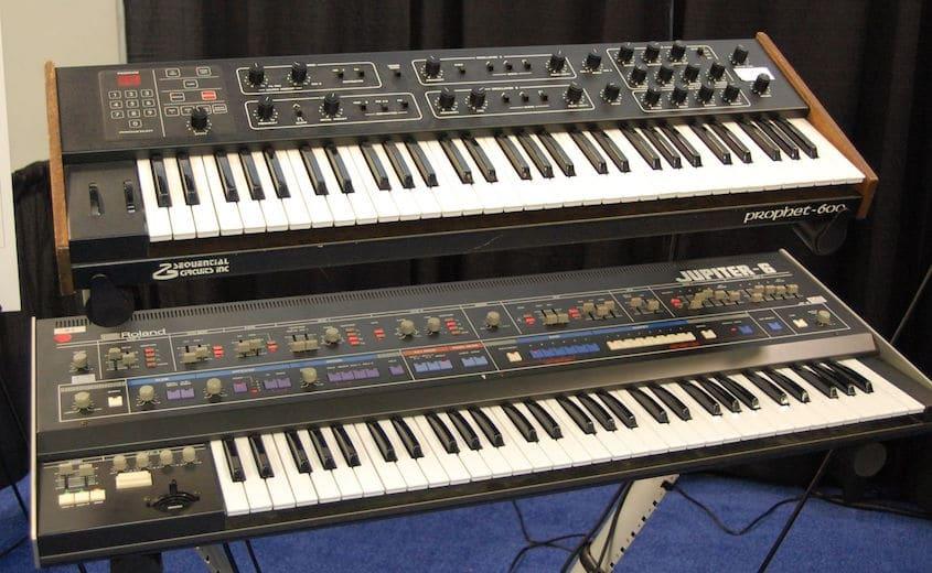 Les 2 premiers synthétiseurs MIDI - Le Roland Jupiter-6 et le Sequential Circuit Prophet-600