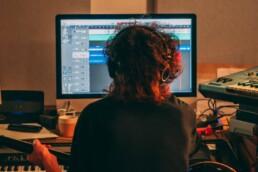 Bandeau article 10 idées fausses sur la norme MIDI
