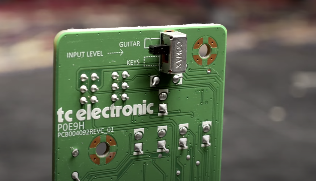TC Electronic June-60 Version 2 réglages de niveau d'entrée Guitar/Key