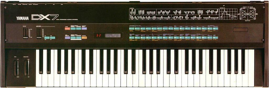 Le fameux synthétiseur FM le Yamaha DX7